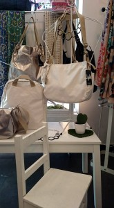 bolsos y silla